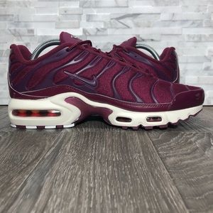 cheap for discount db8fd 5efed Nike Shoes - NWOT Nike Air Max Plus TN Bordeaux